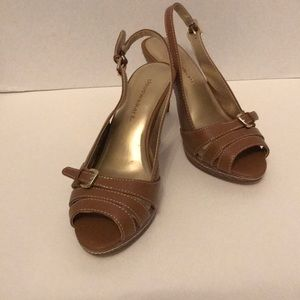 Cloud Walkers Tan SlingBack Heels. Size 10 W.